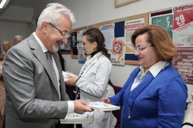 Başkan Erdem öğretmenlerin yanında