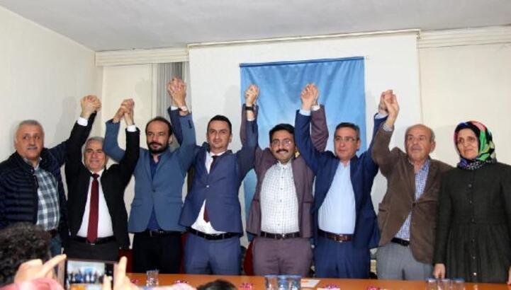 AK Parti'nin yeni başkanı partililerle buluştu