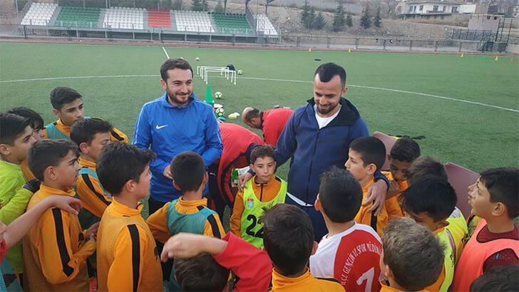 İlhan Parlak futbola başladığı yerde! Yerköyspor'u ziyaret...