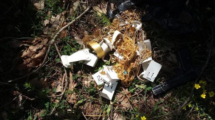 1,2 milyon liralık soygun! Altınları ormana gömmüşler