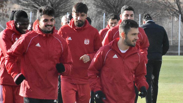 Demir Grup Sivasspor'da kupa mesaisi