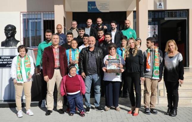 Aytemiz Alanyaspor'dan özel öğrencilere ziyaret