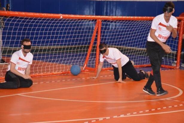 Görme engelli sporcular ile Bilecikspor maç yaptı