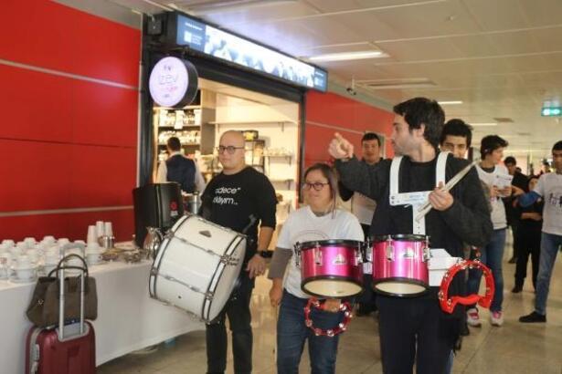 Sabiha Gökçen Havalimanı'nda İstanbul Zihinsel Engelliler Vakfı'nın mağazası açıldı