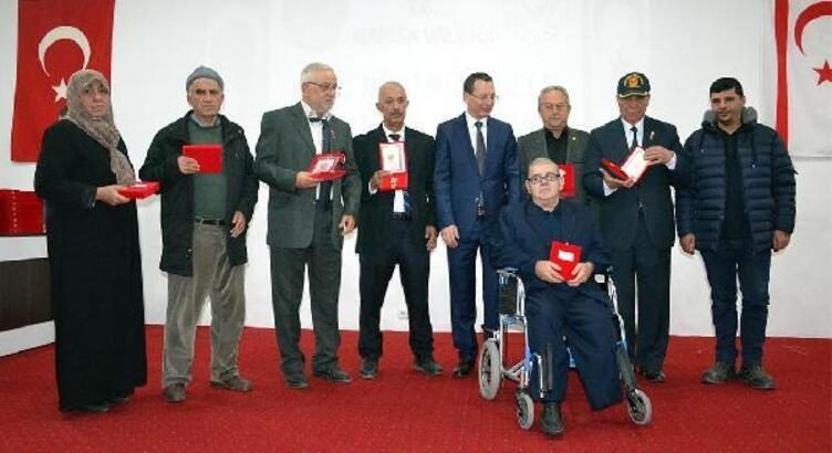 Turgutlu'da 63 Kıbrıs gazisine madalya ve beratları verildi