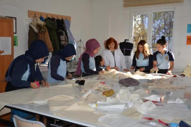Tekstil sektörüne ara eleman yetiştiriyorlar