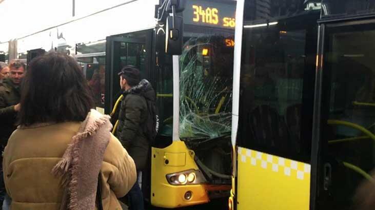 Son dakika... Fikirtepe'de iki metrobüs birbirine girdi!