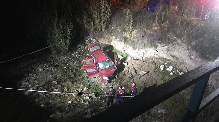 Otomobiliyle köprüden uçtu, muhtar kurtarılamadı