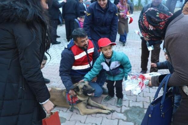 Jandarmadan 'engelli çocuklara' anlamlı ziyaret