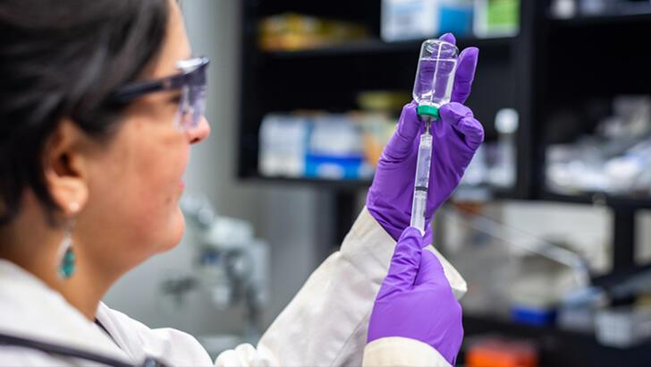 O ülkede 200 bin kişiye ebola aşısı yapılacak