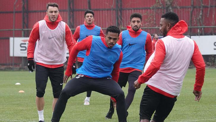 Gençlerbirliği-Göztepe maçı saat 17.00'ye çekildi
