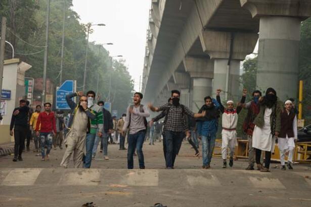 Giderek şiddetleniyor! 'Hindistan bölünebilir'