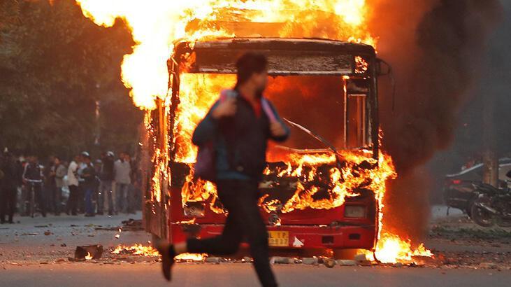 Hindistan'da Müslümanları öfkelendiren vatandaşlık yasasına tepkiler büyüyor