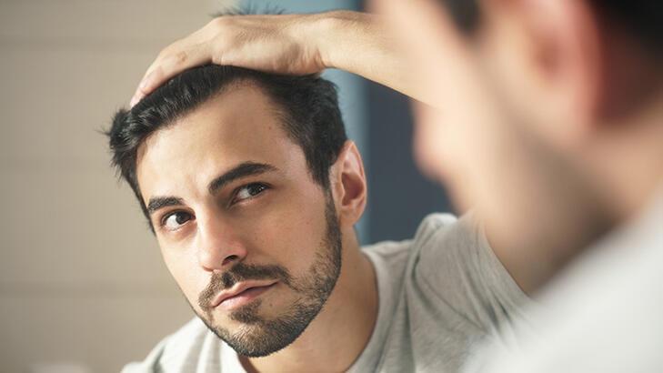 Aynaların korkulu rüyası: 'Saç dökülmesi'