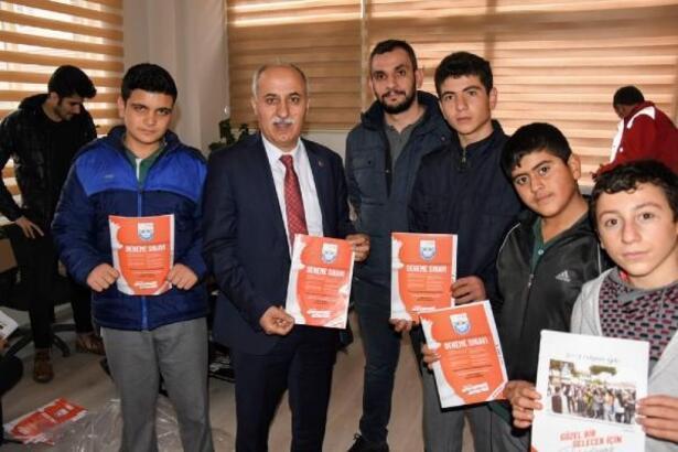 Yenişehir Belediyesi'nden öğrencilere ücretsiz deneme sınavı
