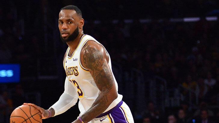 Lakers, LeBron James'in tarihe geçtiği maçta Mavericks'i yendi