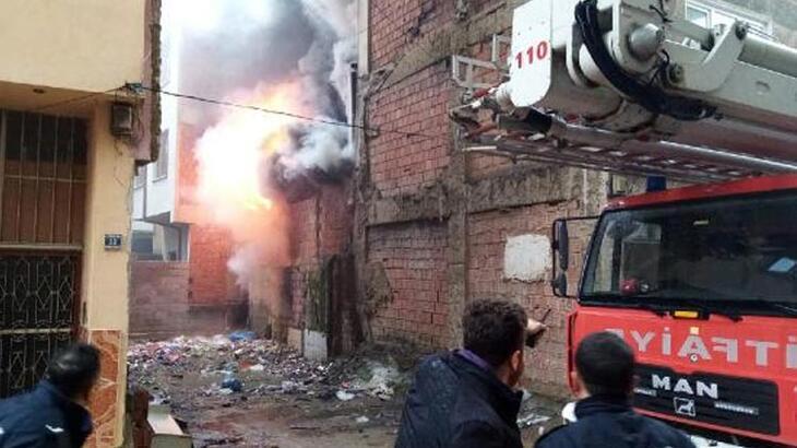 Bursa'da korkutan yangın!Alev alev yandı