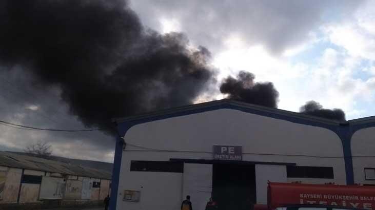 Kayseri'de fabrikada çıkan yangını itfaiye söndürdü