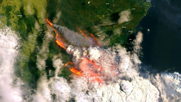 Avustralya'daki yangınlarda 200'den fazla ev kül oldu, en az 12 kişi öldü