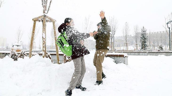 Yarın hangi illerde okullar tatil? 8 Ocak birçok ilde eğitime kar engeli haberleri