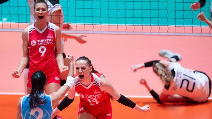 Türkiye - Polonya: 3-2! Filenin Sultanları finalde