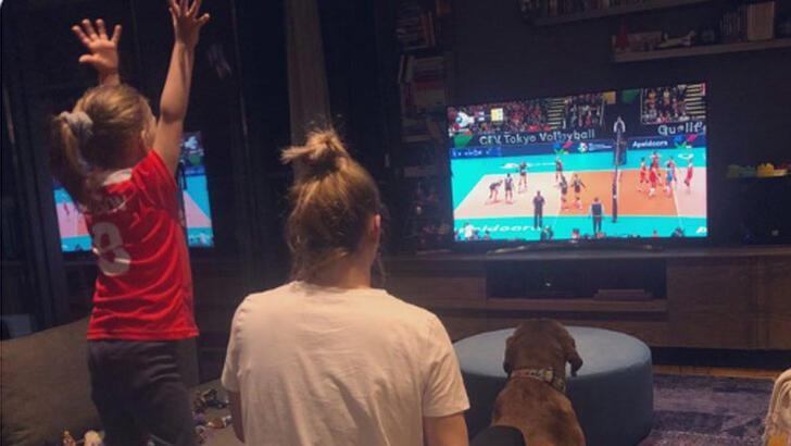 Guidetti'nin eşi ve çocuğu maçı TV'den izledi