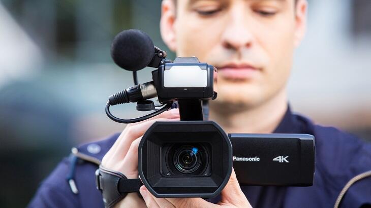 Panasonic CX serisinin en küçük ve hafif 4K 50 p/60 p kameralı yeni üyesi tanıtıldı!