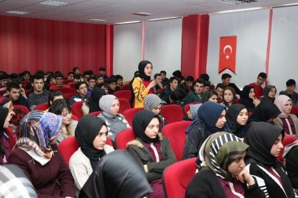 Hafik'te 'İlçenin gençleri öncülerle buluşuyor' programı