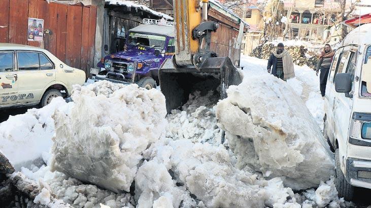 Kar felaketi 124 kişi can verdi