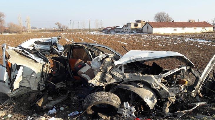 Araç hurdaya döndü! Sürücü ağır yaralandı