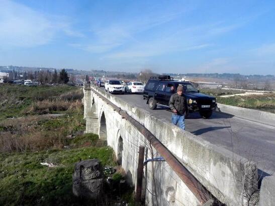 Taş Köprü, ağır tonajlı araçlara kapatıldı