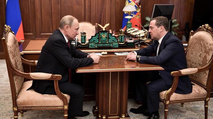 Son dakika... Rusya'da hükümet istifa etti!