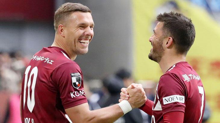 Antalyaspor, Lukas Podolski ile görüşüyor