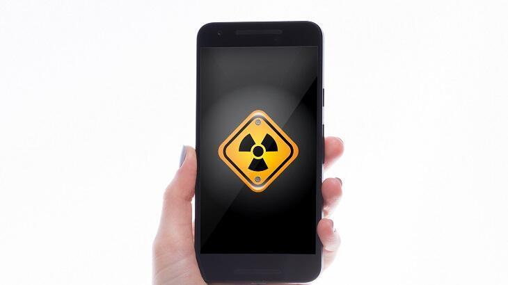 Telefonun yaydığı radyasyondan korunmak için bunlara dikkat!