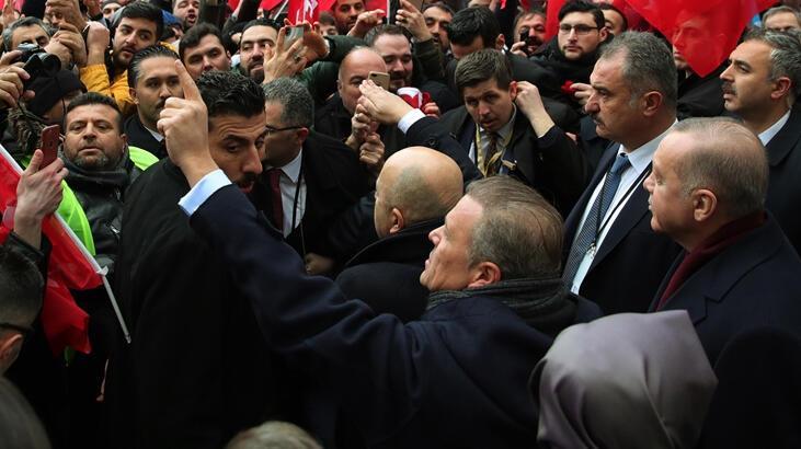 Cumhurbaşkanı Erdoğan, Berlin'de Türklerin sevgi gösterileriyle karşılandı