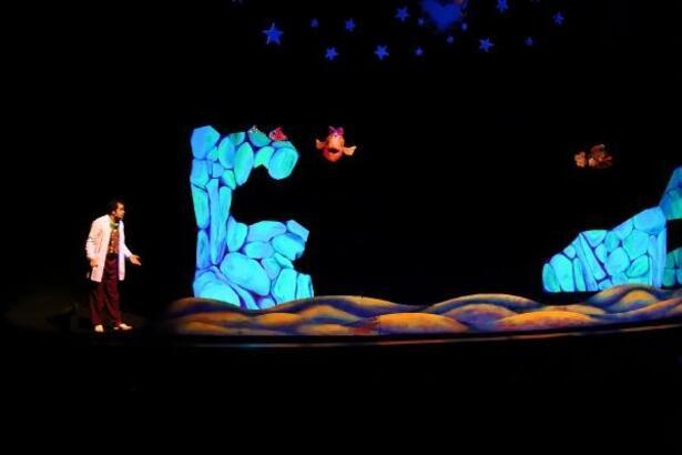 Konya Büyükşehir'den karnelerini getiren çocuklara hediye tiyatro bileti