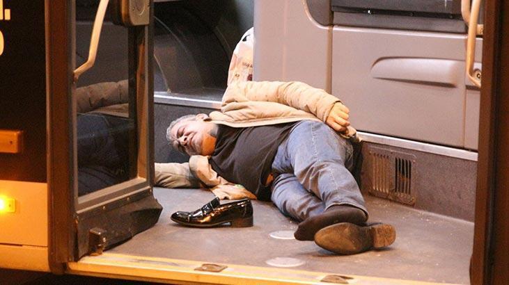 Metrobüs yolunda feci kaza! O anlar anbean kaydedildi