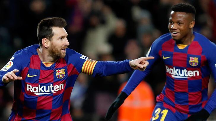 Barcelona, Granada'yı Messi ile yıktı! İsmail Köybaşı...