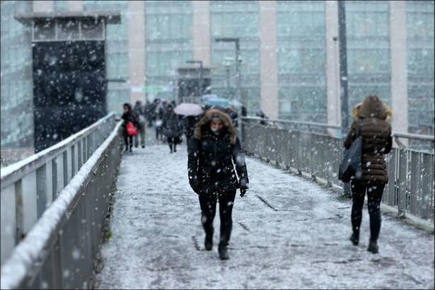 İstanbul'a kar ne zaman yağacak? Perşembe günü kar yine teğet geçiyor!