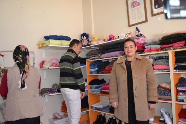 Okulda sosyal market açtılar