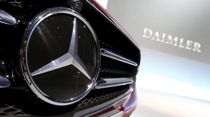 Maliyetler arttı, Daimler'in karı yarıya indi