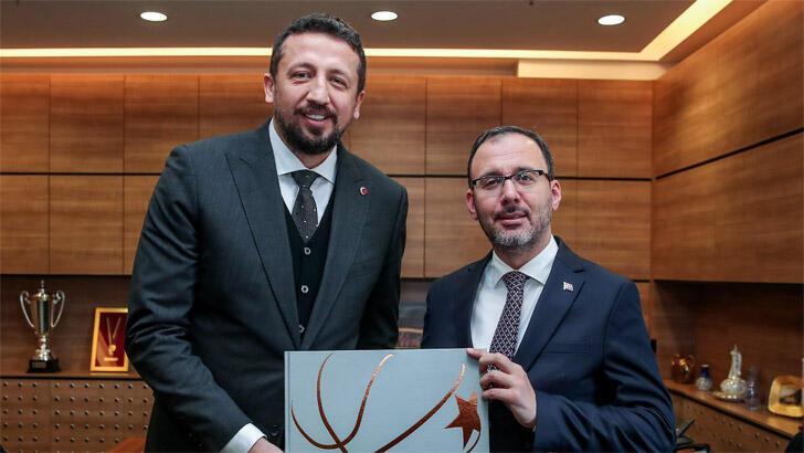 Spor Bakanı Kasapoğlu'ndan Türkoğlu'na ziyaret