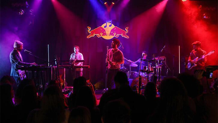 Yüzyüzeyken Konuşuruz'un Red Bull Müzik Stüdyoları macerası yayında