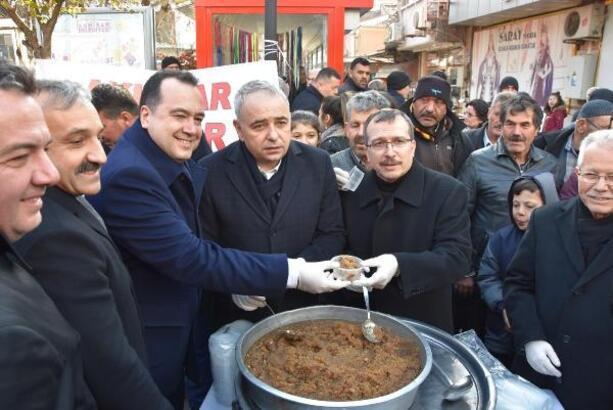 Akhisar Alışveriş Festivali kortej yürüyüşü ile başladı