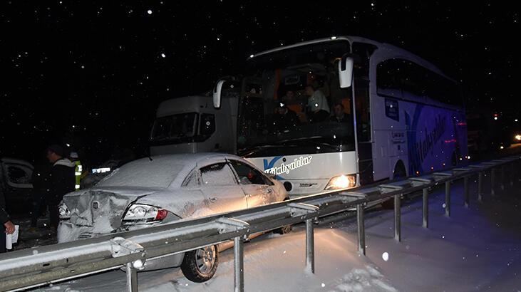 Kütahya'da 7 aracın karıştığı zincirleme kaza: 3 yaralı