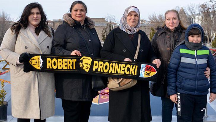 Fanatik gurbetçi taraftar maç için Kayseri'ye geldi