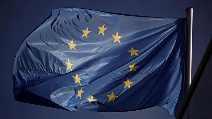 ECB anketinde 2020 büyüme beklentisi yukarı yönlü revize edildi