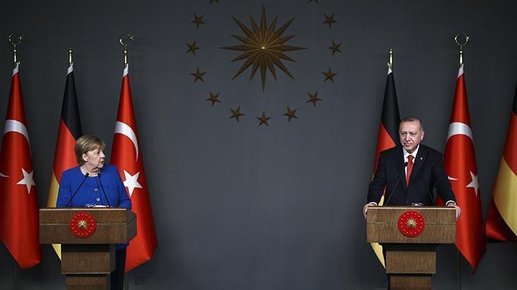 Son dakika... Cumhurbaşkanı Erdoğan'dan dünyaya net mesaj: 'Bu adama yüz vermeyin'