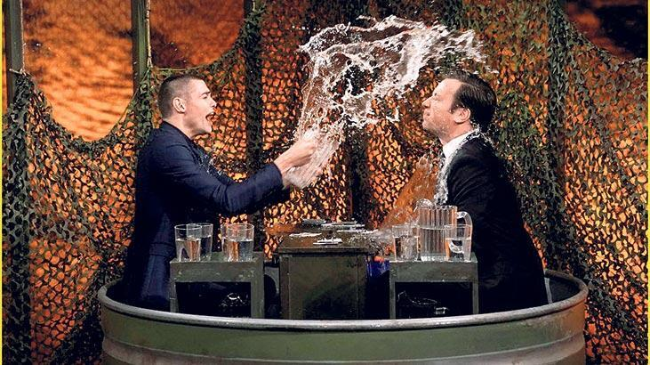 Stüdyoda su savaşı yaptılar!
