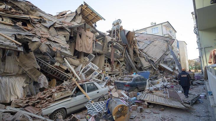 Son dakika: Elazığ'da artçı depremler devam ediyor!